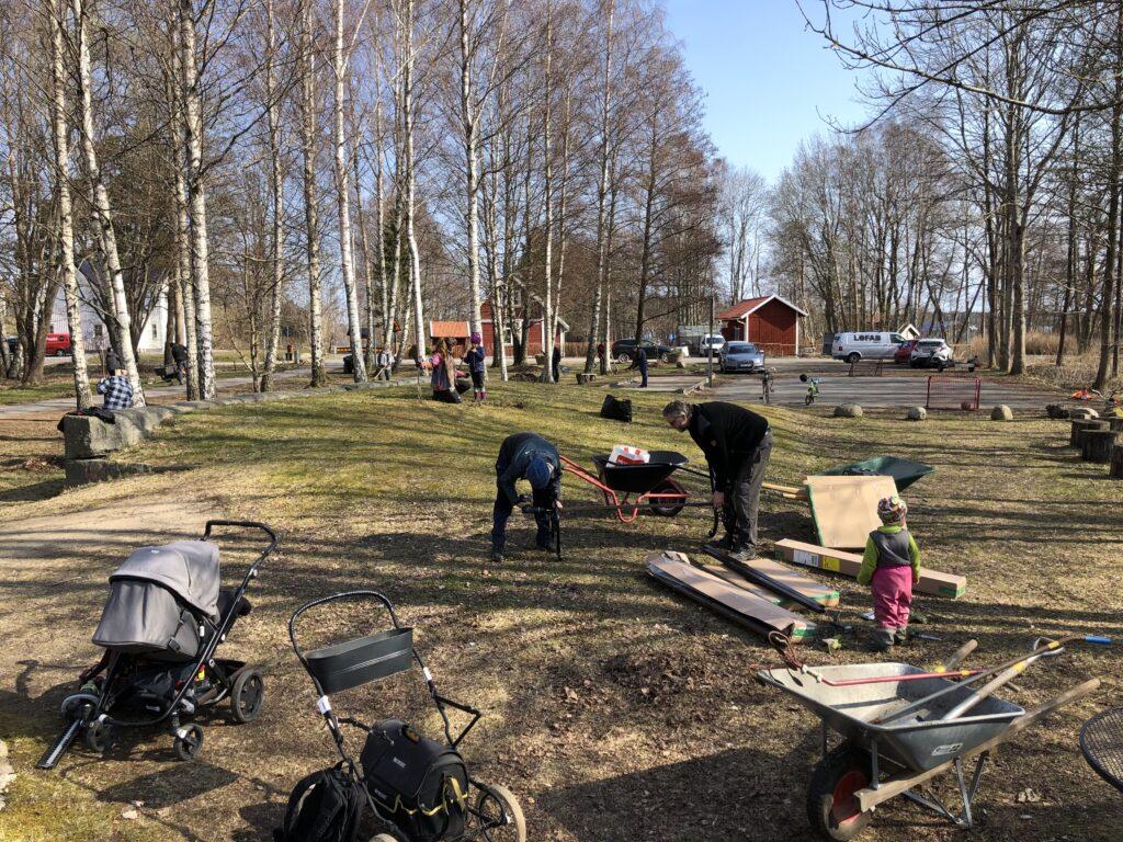 Städdag i Björboholmsparken vår 2021.